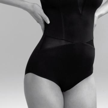 Woman body detail wearing an ITEM m6 Shape Body
