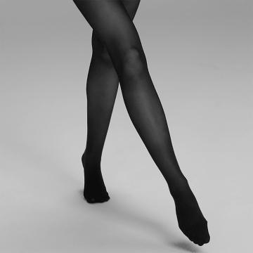 Light legs with the ITEM m6 Legwear.