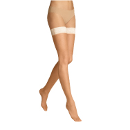 The invisible heel of the ITEM m6 Tights Invisible are worn with open shoes like slings or sandals.