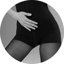 This example shows how the ITEM m6 shapewear optimize a woman's curves.